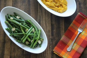 Low Carb Thanksgiving: Garlic Green Beans (Paleo and Gluten Free)