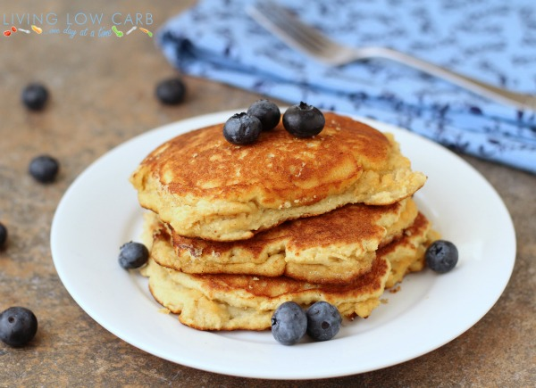 Toasted Coconut Pancakes_1